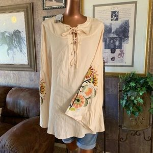 NWT Sherry Cervi Resistol Embroidered Tunic M